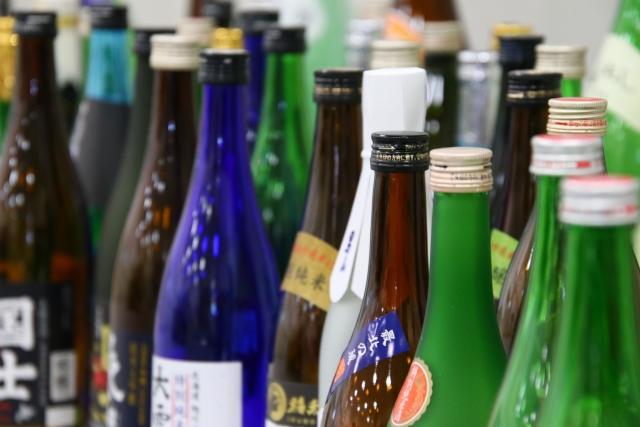 日本酒が一升瓶に売られているのは理由がある|theDANN media