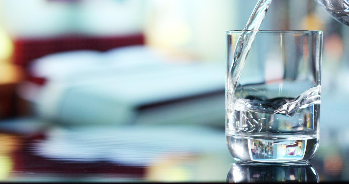 やわらぎ水はお酒の味を引き立て、健康にも役立つ|theDANN media