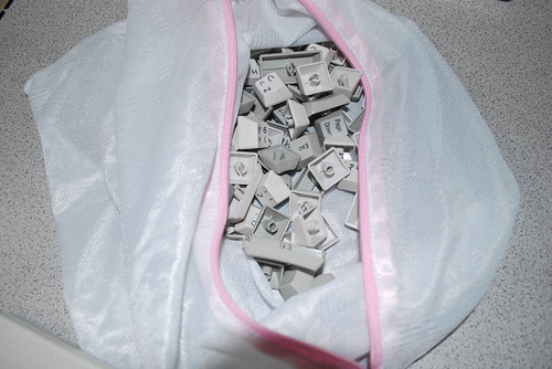 Realforce 106 UBK 洗濯ネットでキーを洗う