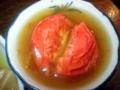 [麻布十番][おでん]別皿提供のトマト。 不思議とミネストローネのような洋風テイスト