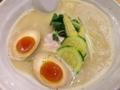 [銀座][ラーメン][バター][ごはん]客の8割が注文する人気メニュー、銀座 篝の鶏白湯SOBA