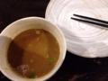 [新宿][ラーメン][つけ麺]卓上のスープ割り用出汁で割ってグビグビ