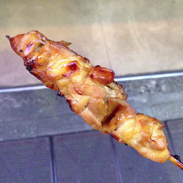 谷中銀座商店街で行列の絶えない激安惣菜専門店「いちふじ」のもも肉(タレ)