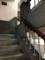 階段なんかもどよーん