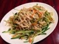 [池袋][中華][担々麺][餃子][サラダ][ドラマ][孤独のグルメ]木綿豆腐の固い皮とキュウリとニンジンのドレッシング和え