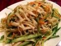 [池袋][中華][担々麺][餃子][サラダ][ドラマ][孤独のグルメ]アップにすると木綿豆腐ならではのザラザラとした表面と分かります