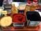たんまり常備されているコリアン唐辛子等の各種調味料