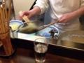 [西荻窪][ラーメン]人気No.1のタンメンは、茹で上がった麺を平ザルで1つずつ丼にあけ