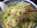[西荻窪][ラーメン]スープの個性を壊さず、静かな存在感の中太縮れ麺は大勝軒草村商店製