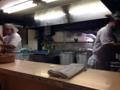 [八王子][ラーメン]カウンター7席のみ、厨房には店主とお弟子さん