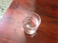 [早稲田][ラーメン][チャーハン][洋食][定食・食堂]テーブルに置いたお冷
