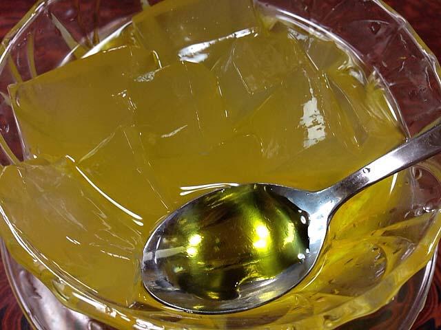 かき氷のあのレモンシロップをご想像ください