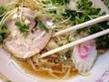 [東小金井][ラーメン][油そば][餃子]宝そば最大の特徴はこの鶏ガラスープ