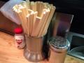 [桜木町][日ノ出町][ラーメン]割り箸、胡椒、食卓塩、どシンプルなカスターセット
