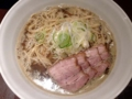 [銀座][東銀座][ラーメン]「自家製麺 伊藤 銀座店」の肉そば大盛スープ&ネギ増し