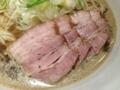 [銀座][東銀座][ラーメン]豚バラチャーシューが4枚入る肉そば(そばの価格+150円)