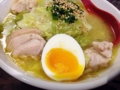 [新橋][ラーメン][丼もの]この黄身部分をスープに溶かしても相性良さそうな半熟玉子