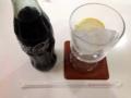 [千駄木][谷中][日暮里][洋食][パスタ][焼きそば][定食・食堂]コーラを頼むとレモンスライス入りのグラスと瓶で登場