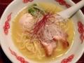 [日暮里][ラーメン]60kgの鶏で作る、日暮里駅徒歩2分「麺・酒処 ぶらり」の鶏白湯ラーメン
