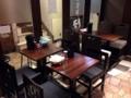 [銀座][東銀座][ラーメン][つけ麺][丼もの]テーブル席の配置が奥4名、手前2名×3卓といった具合に変更していたり
