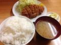 [上野][御徒町][とんかつ][和食][定食・食堂]最初にライスと味噌汁、続いてとんかつ本体の順番でご到着