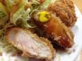 [上野][御徒町][とんかつ][和食][定食・食堂]次第に、でも1切れずつ食べるたびにソースとからしをつけてパクパク