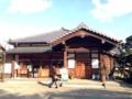 [豪徳寺][建築][寺院]他にも本堂やこういった施設に多くの参拝客が集まっていました