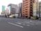 お店の前に広がる大通りは高級車を度々目撃するリア充アベニュー