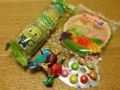 [恵比寿][広尾][菓子]メロンラムネにフルーツ餅に3個20円のチョコに数字チョコ
