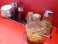 [下北沢][ラーメン]定番の卓上調味料のすぐそばに常備されているつぼづけ