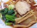 [雑司が谷][池袋][ラーメン][餃子][チャーハン][中華]厚めのチャーシュー、メンマ、刻みネギ、ほうれん草の黄金カルテット