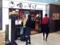 銀座で働く方々や観光客を中心とした往来が盛んな店先