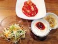 [有楽町][銀座][日比谷][内幸町][新橋][ラーメン][丼もの][韓国料理][漫画][孤独のグルメ]本当に多い前菜(※サラダ、キムチ、もやしナムルにピリ辛豆腐)