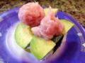[和食][寿司・魚介類]アボカドねぎとろ握り160円。決してちょこんじゃないとろが嬉しい