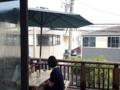 [鵠沼海岸][菓子][かき氷][甘味処][カフェ・喫茶店]これまたくつろげまくりそうなテラス席がお出迎え