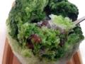 [鵠沼海岸][菓子][かき氷][甘味処][カフェ・喫茶店]食べ進めると中からおいでなすったふっくら茹で小豆にほっこり