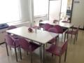 [鳥取][ラーメン][カレー][定食・食堂][漫画][孤独のグルメ]5名掛けテーブルが手前2卓、奥に6名掛けが2卓の計22席と少なめ