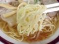 [鳥取][境港][ラーメン][チャーハン]気持ち固めに茹でられた中太縮れ麺をズビビンズビビン