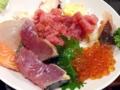 [入谷][鶯谷][和食][丼もの][寿司・魚介類][定食・食堂][居酒屋]極端なハナシ、これを盛り直しても立派に海鮮丼として通用しそう