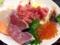 極端なハナシ、これを盛り直しても立派に海鮮丼として通用しそう
