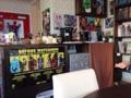 [高円寺][カフェ・喫茶店][漫画]各種ドリンクは1杯30円のセルフサービス、店外からの飲み物持ち込みOK