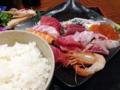 [入谷][鶯谷][和食][丼もの][寿司・魚介類][定食・食堂][居酒屋]最初の1杯目は白飯、おかわり無料をいいことに2杯目は酢飯をオーダー