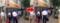あまりの行列に子供もガードレールで遊ぶ遊ぶ