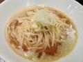 [銀座][東銀座][ラーメン][丼もの]スープ増し(+100円)をしなかった場合の中華そば小600円のビジュアル