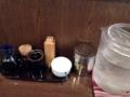 [麻布十番][ラーメン][餃子][チャーハン]卓上調味料は酢醤油、ラー油、唐辛子、おろしニンニク、胡椒と不変