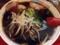 特大新福そばに比べて具が少ないからスープの黒が際立ちますね