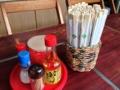 [沖縄][名護][沖縄そば]調味料でスープが濁ってもリカバリーがたやすいのはセルフならでは