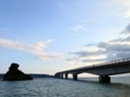 [沖縄][古宇利島]みんながめざましテレビを観ているであろう朝7時台の古宇利大橋