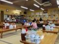 [沖縄][南城][沖縄そば]広々とした小上がりと対面式テーブル席の店内