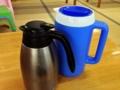 [沖縄][南城][沖縄そば]各席に配置された水&お茶ポットが地味に嬉しい